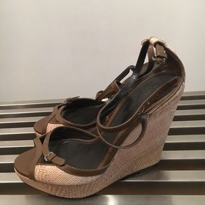 Burberry wedge vintage in excellent condition
